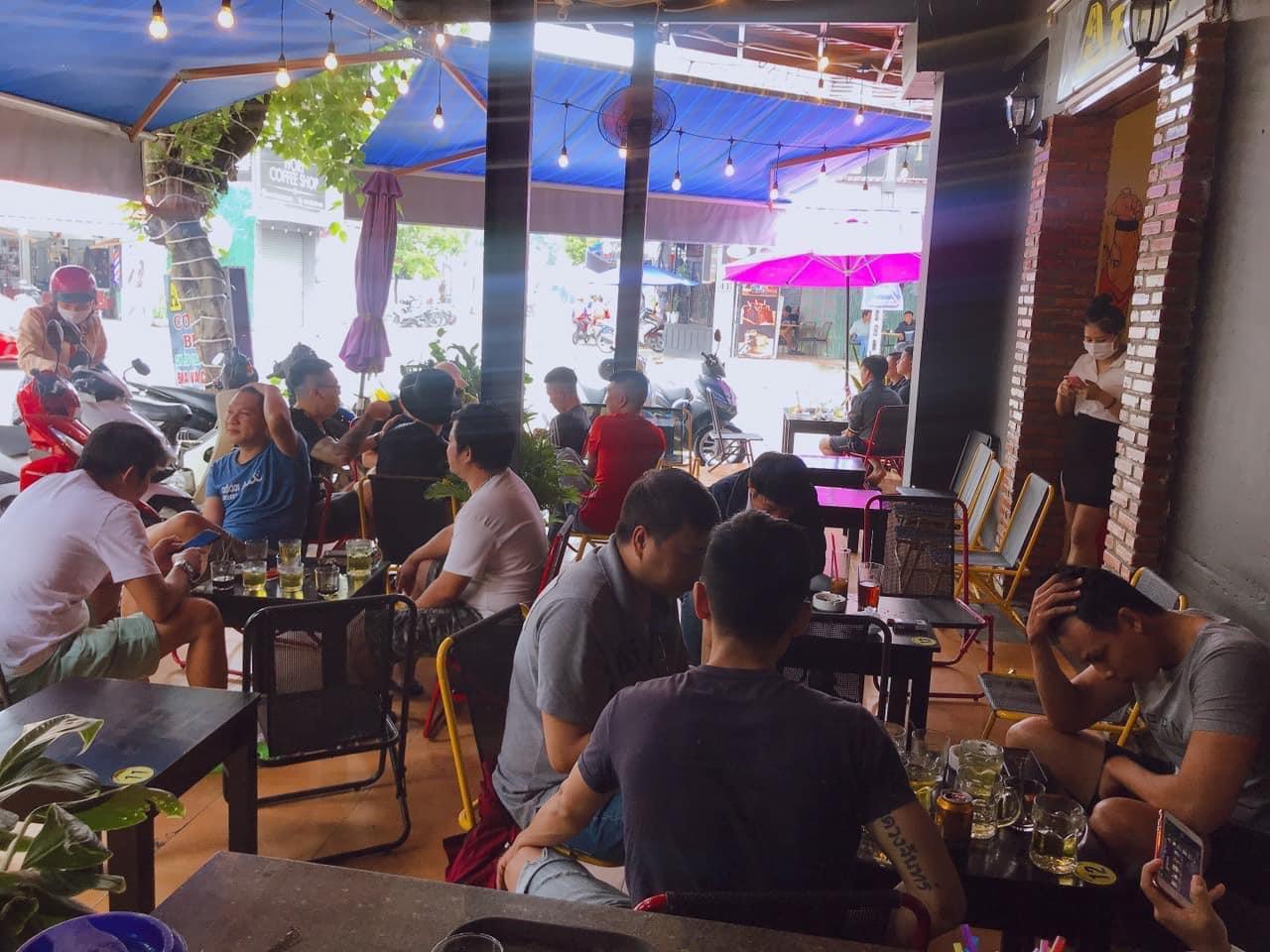 Sang quán cafe góc 2 mặt tiền giá sang rẻ khu Bàn Cờ TP Nha Trang